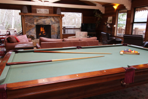 motel-inverness-pool-table